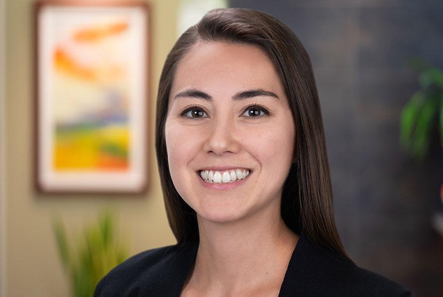 Aria Krumwiede | CFA, CFP Lead Advisor | D&Y Wealth Advisors San Diego