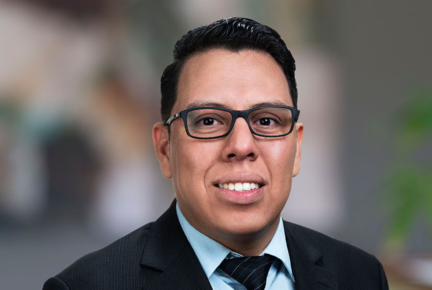 Jesús Bustamante | IT Technician | D&Y Wealth Advisors San Diego